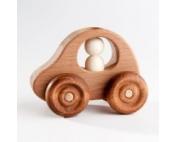 Деревянная машинка с пассажиром